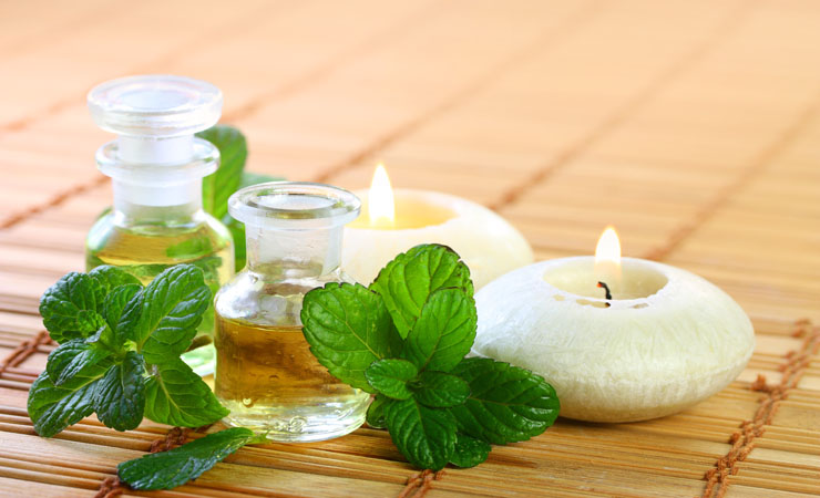 Peppermint Oil to Relieve From Hot Flashes