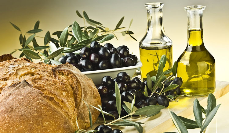 olive-oil-thiker-hair