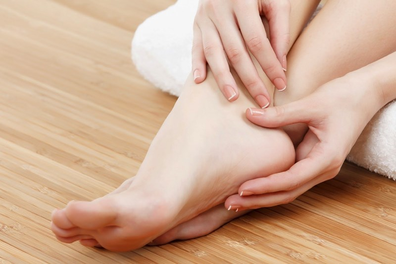 18 Home Remedies for Cracked Heels