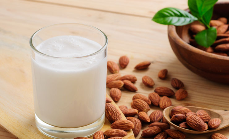 15 Health Benefits Of Almond Milk : A Healthier Choice